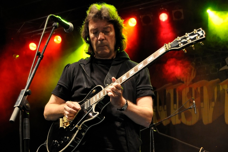 steve_hackett_vicar_street_dublin_2013_live_concert_date_confirmed_for_saturday_may_18th_buy_tickets_genesis_member_solo_gig_show_irish_tour_announced_music_scene_ireland